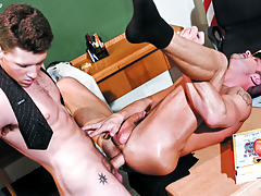 Barrette Scores With His Perspired Teacher's Arse Too! Not To Miss!