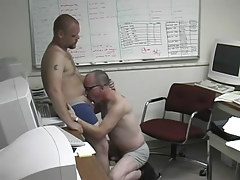 Pooch gets nasty in the office with a damp man in 1 episode