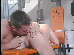 A hardcore faggot fuck in the gym in 2 video