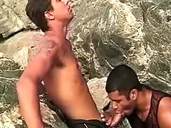 Latin gays in irrumation threeway outdoor