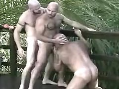 Lusty ready man-lovers suck and kiss in group