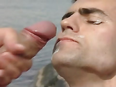 Gay accepts sticky facial in nature