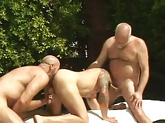 Bear dilf sucks old man-lover and licked by boyfriend by pool
