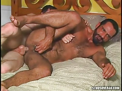 Bear homo receives real anal fuck in bed