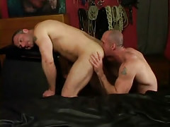 Horny dilf licks muscled chaps ass