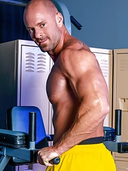 High Performance Men. Gay Pics 3